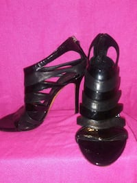 pair of black leather open-toe heeled sandals Glendale, 85304