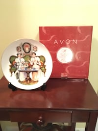 Collectable plate with stand Toronto, M8Y 0A1