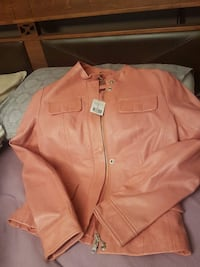 Brand new salmon Danier leather jacket Brossard, J4Z 0P2