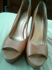 pair of beige leather peep-toe heeled shoes Gonzales, 70737