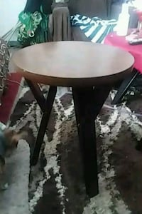 2  like NEW End tables Cozad, 69130