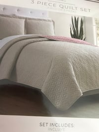 King reversible  3 pieces Quilt set Keswick, L4P 3P2