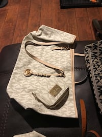 MK purses in excellent condition... Southfield, 48075