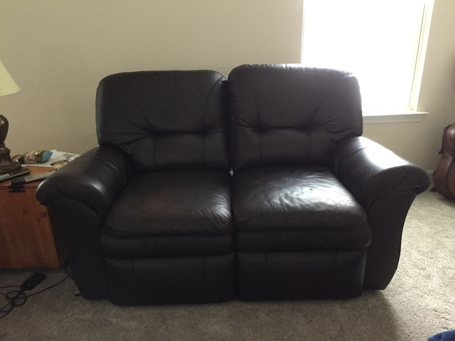Used Lane Leather Reclining Couch And Loveseat In Virginia Beach