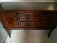 Credenza or buffet table Akron, 44321