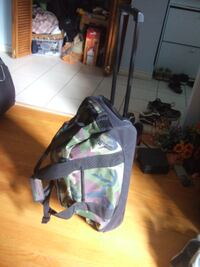 New Condition Wheeled L.L Bean Duffle Bag,4182 Toronto