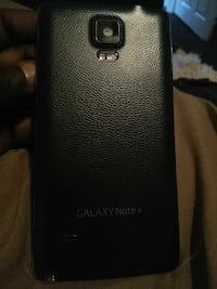 black Samsung Galaxy Note 4