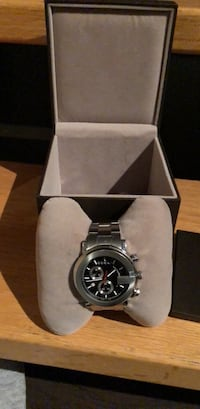 Men's 2012 Gucci watch  3733 km
