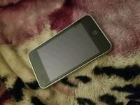 Apple IPod touch (32GB) Vancouver, V6A 1X8