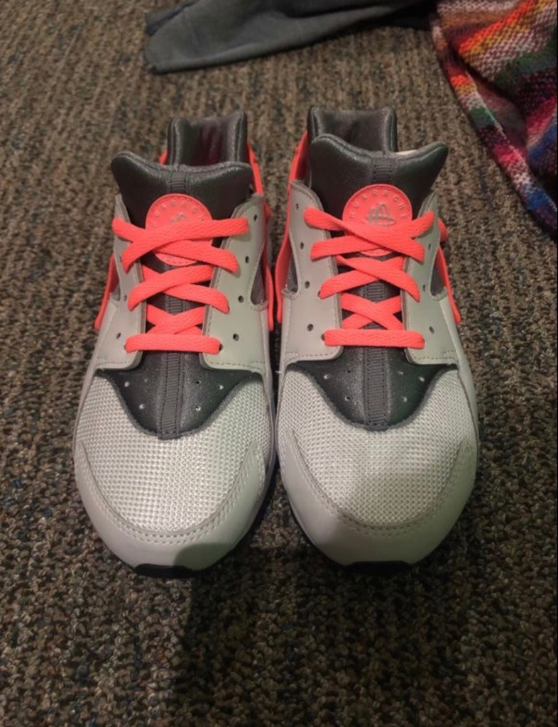 pair of white-and-pink Nike Huarache for sale  Brownsville