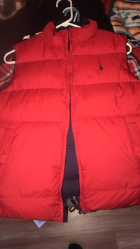Polo reversible vest size small   Sevierville, 37862
