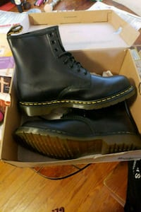 pair of black leather boots Frederick, 21702