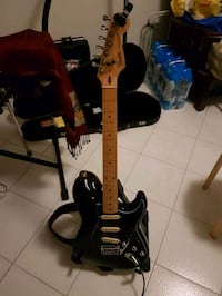 Fender Stratocaster Made  in japan anni 80