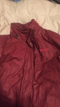 red Bench zip-up windbreaker Sherwood Park, T8A 0R4