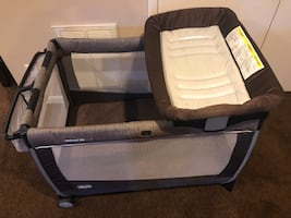 Graco pack n play with bassinet & changing table