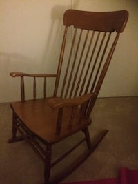 Wood rocking chair  Ottawa, K1V