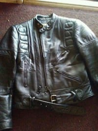 WILSONS LEATHER MOTORCYCLE JACKET SIZE 38. Fresno, 93703
