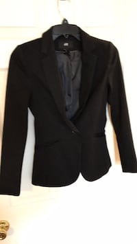 H & M women's black  blazer size 2 excellent condition like new (come from pet & smoke free home) Williamsburg, 23188
