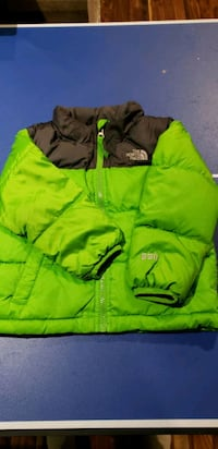 The North Face 550 enfant down coat . Size 3T Montreal, H8N 2Y4