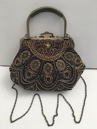 Vintage Beautiful Beaded Evening Bag. Excellent condition.