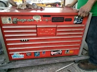 Snap-on tools and cabinets top and bottom Newark, 94560