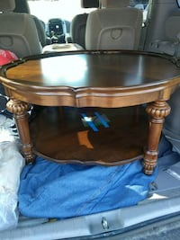 round brown wooden coffee table Lombard, 60148
