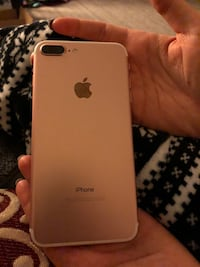 rose gold iPhone 7 Plus! 128gb