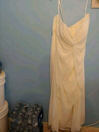 Wedding dress size 24 only worn for a couple hours Chatham-Kent, N0P 1A0
