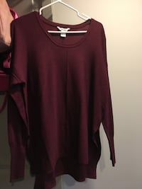 maroon scoop-neck long-sleeved shirt Victoria, V8R 1Z1
