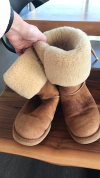 Authentic UGG boots W size 7 Burnaby, V5C 3Z3