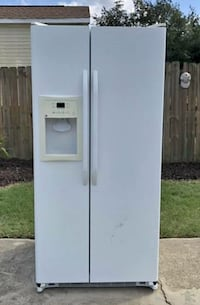 GE side by side Refrigerator with in door ice maker and water dispenser Blythewood, 29016