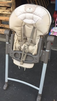 baby's gray and white high chair Fresno, 93720