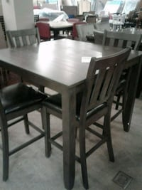 Pub Height Table with four chairs Phoenix, 85018