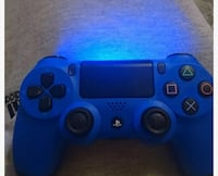 blue Sony PS4 wireless controller Squamish, V8B
