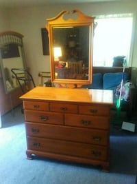7 Drawer Dresser with Mirror