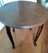 Table in good condition Pickering, L1V 3M7