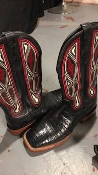 Pair of black-and-red leather boots Davenport, 52804