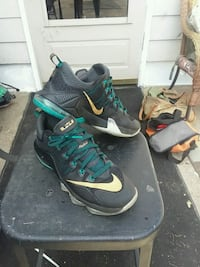 pair of black-and-green Nike basketball shoes Columbus, 31903