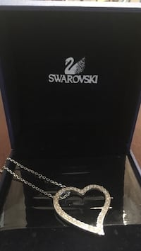Authentic Swarovski heart necklace  Toronto, M8V 4E9