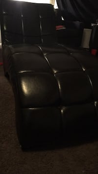 black leather padded recliner chair 49 km