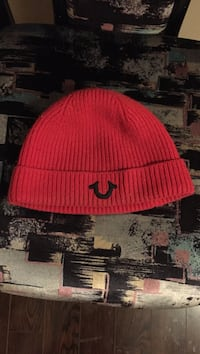 Red true religion winter hat