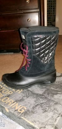 Women's North Face Winter Boots