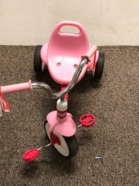 toddler's pink and white trike Woodbridge, 22193