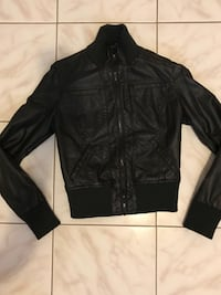 Never worn black bomber jacket in small size Toronto, M9A 4V7
