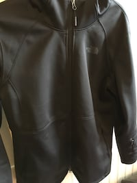 The north face coat women size L NEW just realize is too big for me 130$ Malden, 02148
