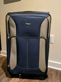 "Expandable 30"" Suitcase w/Spinning Wheels"