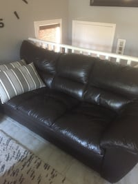 Chesterfield and loveseat Barrie, L4N 6Z6