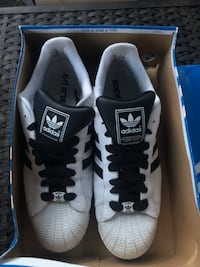 Size 16 adidas running shoes lightly worn Ottawa, K2G 0X1