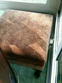 Gorgeous leopard hassock with wooden legs 331 mi