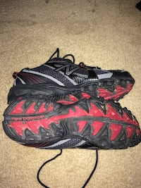 black-and-red Nike basketball shoes Akron, 44305